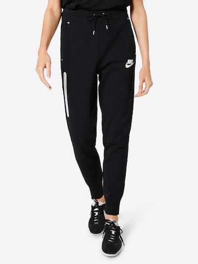 Nike Sportswear Spodnie w kolorze czarny / białym, Podgląd na modelu(-ce)