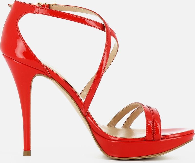 Avoids Sandalette