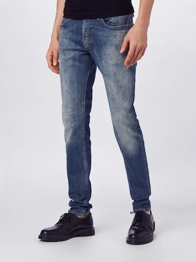 DIESEL Jeans 'Sleenker-X' in de kleur Blauw denim, Modelweergave