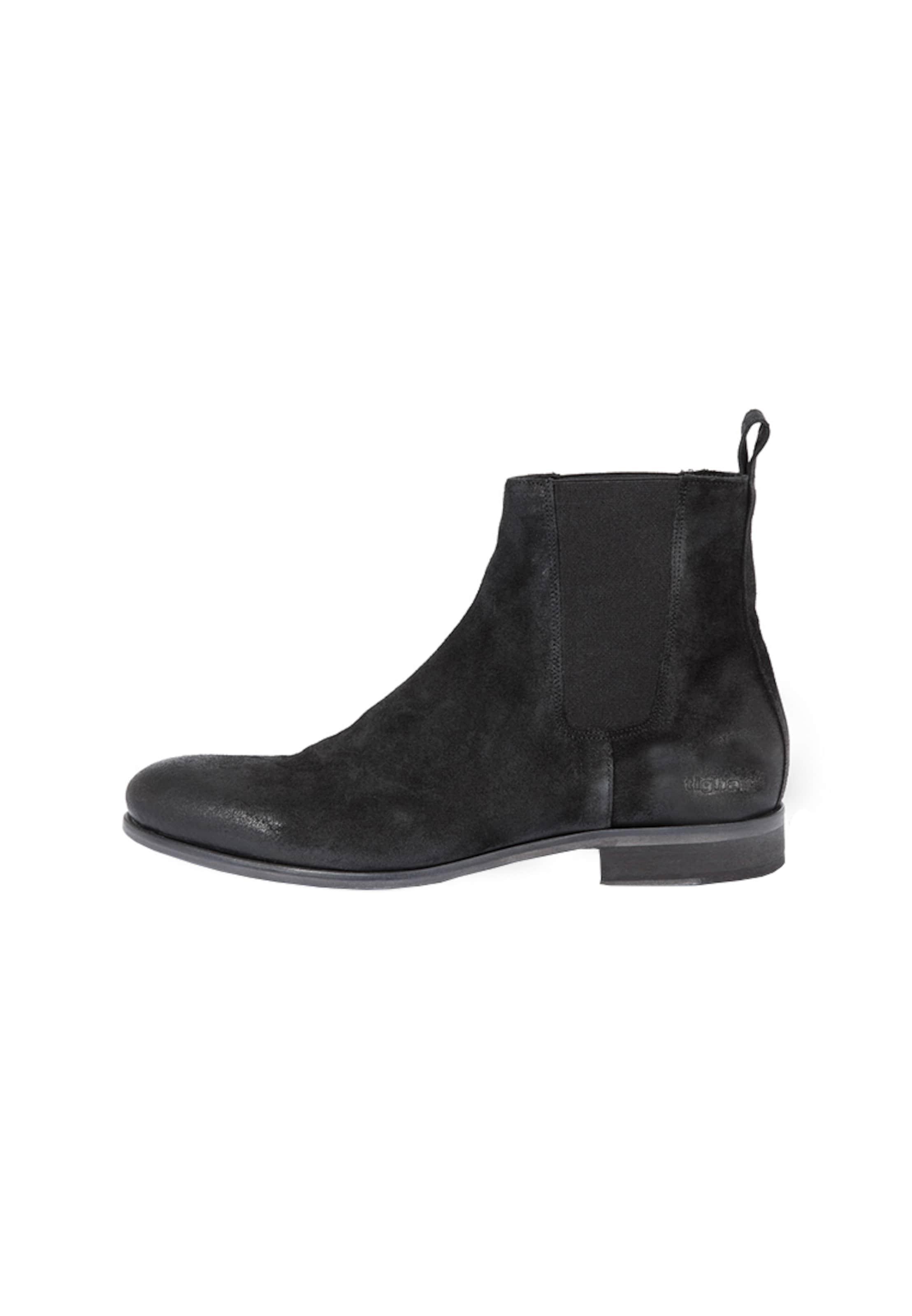 tigha Chelsea Boots   John