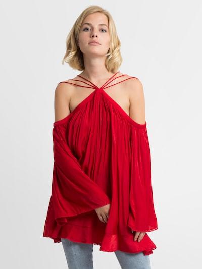 APART Bluse in rot, Modelansicht