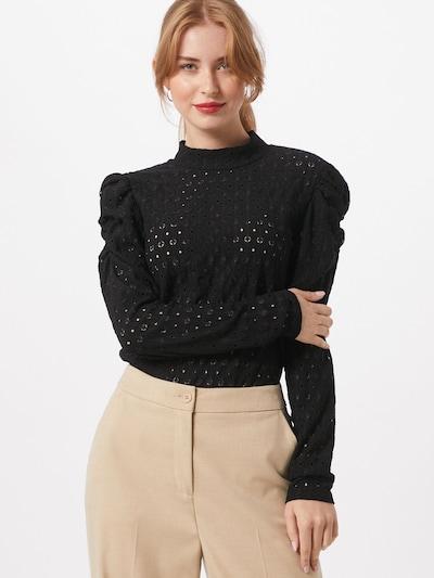 PIECES Bluza u crna, Prikaz modela