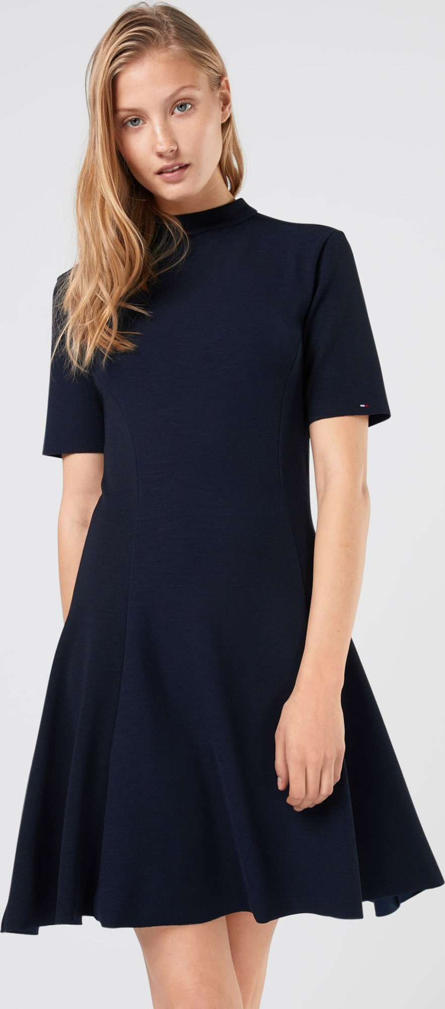 Tommy Jeans Kleid Tjw Basic Fit Flare Dress S S 11 In