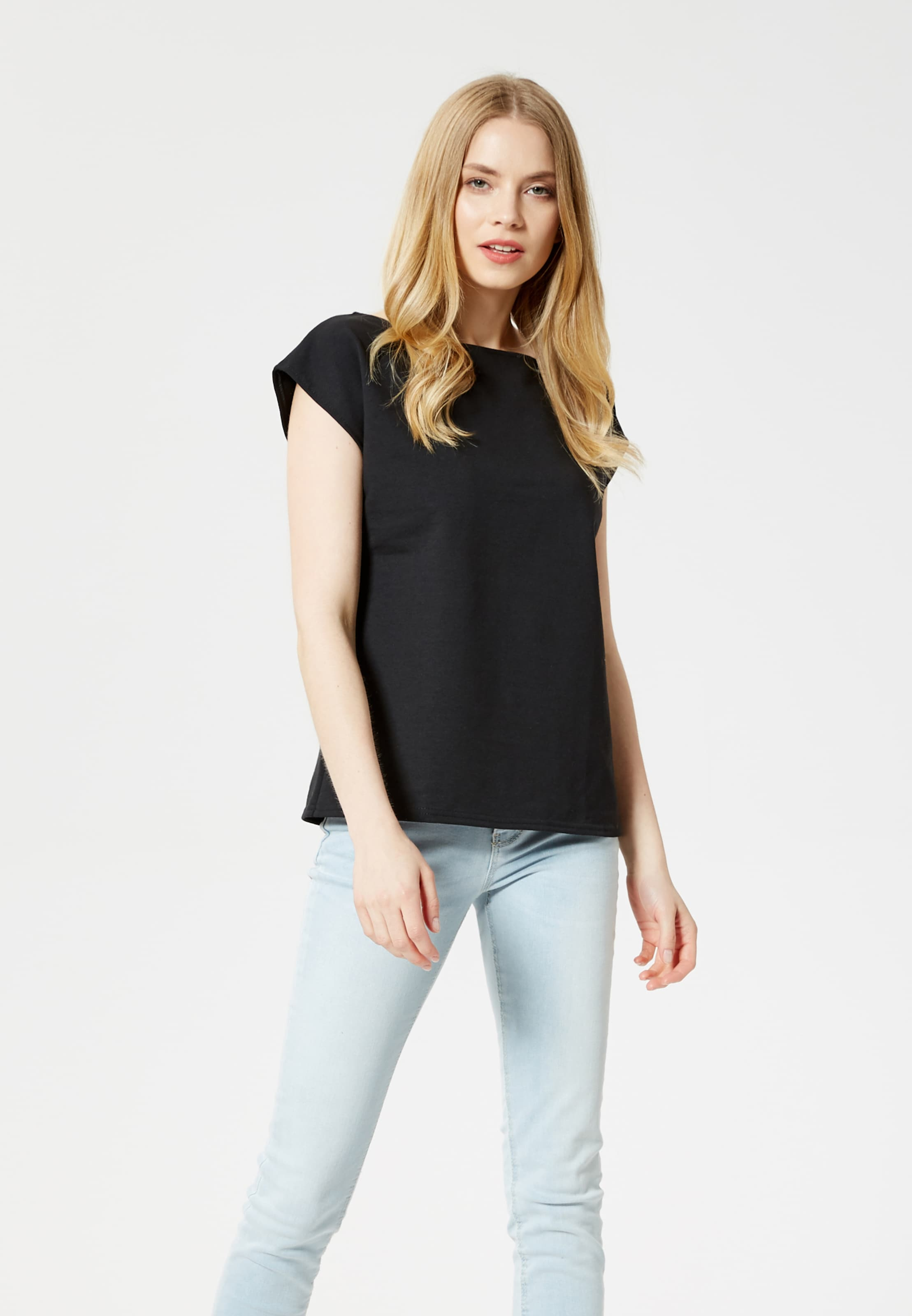En shirt Noir T Noir En Usha T Usha shirt O0k8nwP