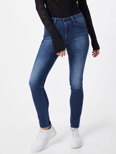 Kings Of Indigo Jeans 'JUNO HIGH' in blue denim, Modelansicht