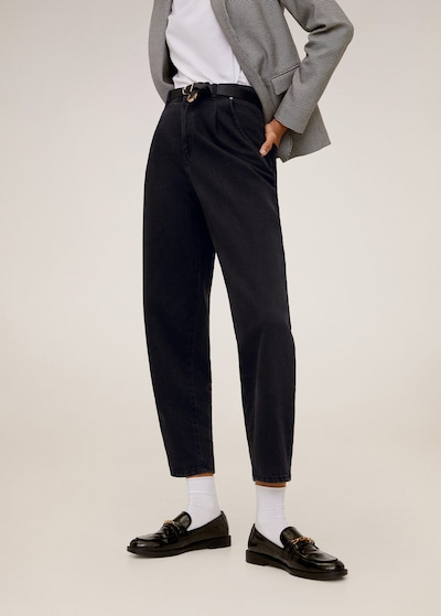 MANGO Jean 'Regina' en noir, Vue avec modèle