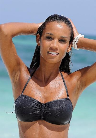 BUFFALO Bikinitop in de kleur Zwart, Modelweergave