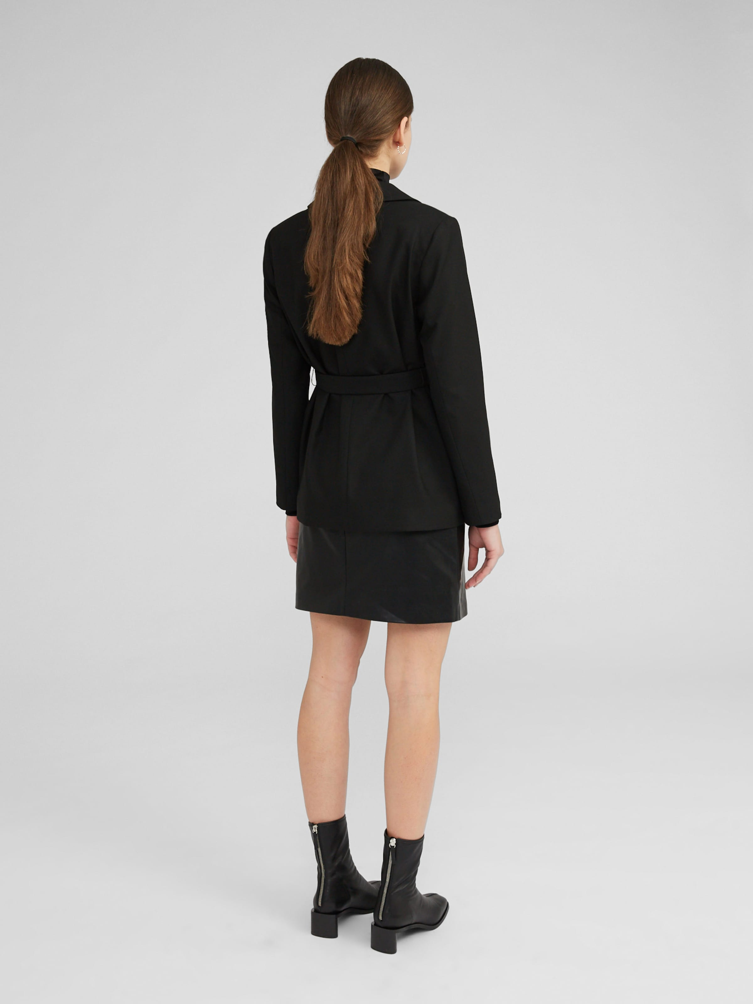 EDITED Blazer 'Calla' in schwarz