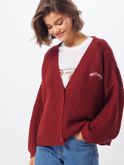 Worst Behavior Cardigan 'Thanks' en rouge / blanc, Vue avec modèle