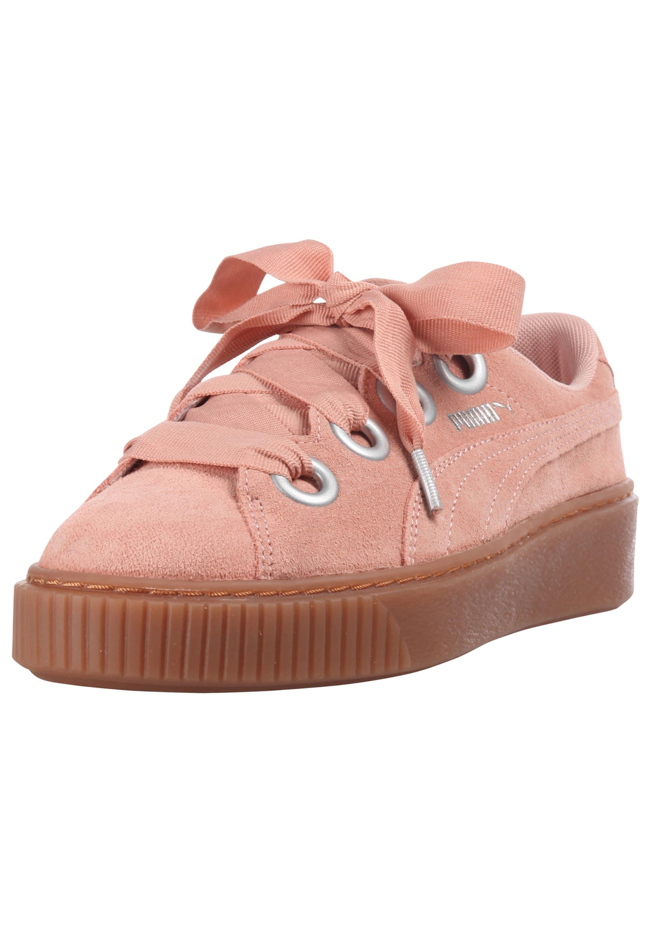 PUMA  Platform Kiss Suede  Sneaker