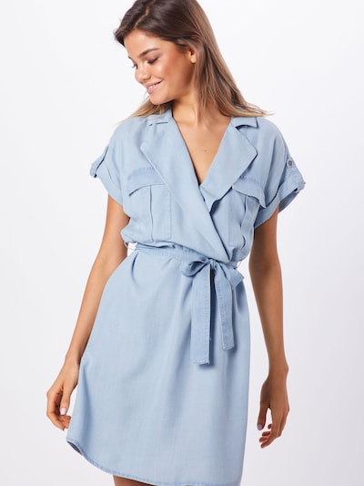 Noisy may Kleid 'NMVERA S/S ENDI' in blue denim, Modelansicht