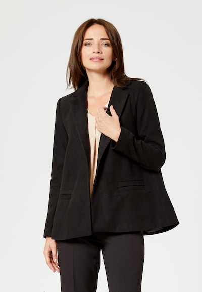 Usha Mantel in schwarz, Modelansicht
