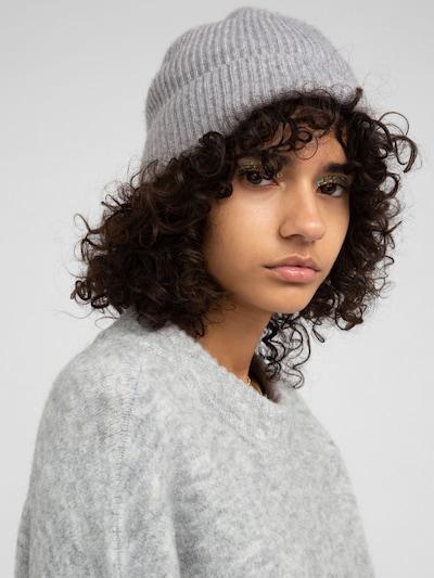 EDITED Mütze 'Javier' in grau, Modelansicht