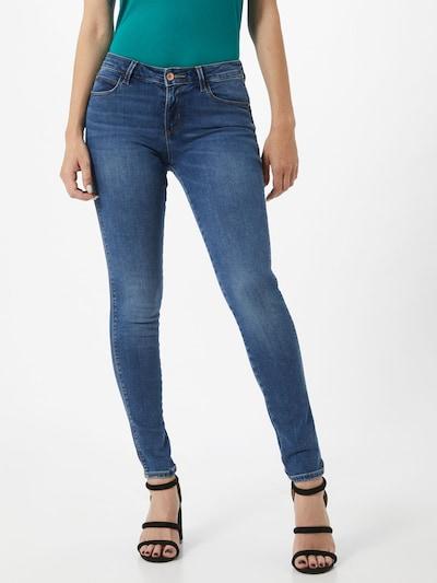 GUESS Jeansy 'Curve X' w kolorze niebieski denimm, Podgląd na modelu(-ce)