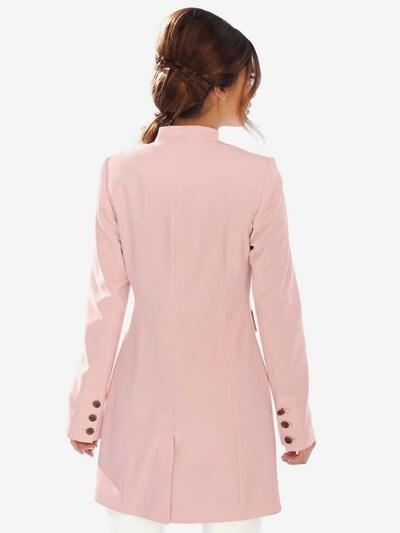 heine Kavaj i rosa: Sedd framifrån