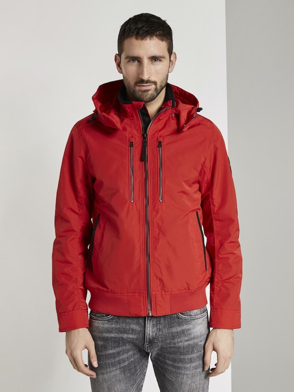 TOM TAILOR Jacken & Jackets Blouson mit abnehmbarer Kapuze in rot: Frontalansicht