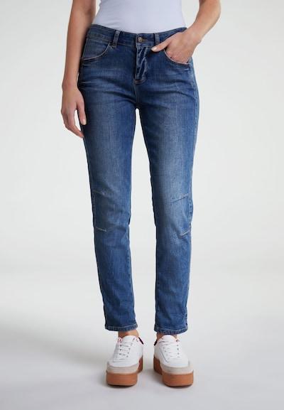 OUI Jeans 'The Girlfriend' in blue denim, Modelansicht