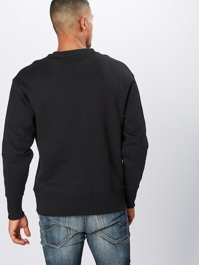 Tommy Jeans Sweatshirt 'TJM TOMMY FLAG CREW' in rot / schwarz / weiß: Rückansicht