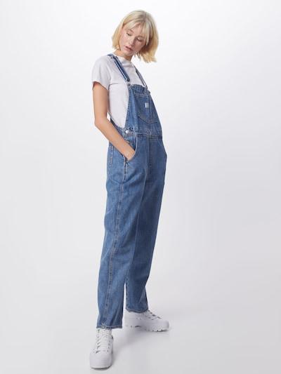 LEVI'S Salopette en jean 'VINTAGE' en bleu denim, Vue avec modèle