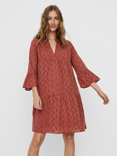 Noisy may Kleid in rostbraun, Modelansicht