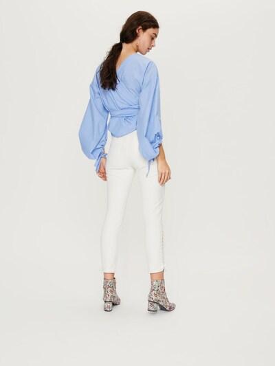 EDITED Skinny Jeans 'Tatia' in white denim: Rückansicht