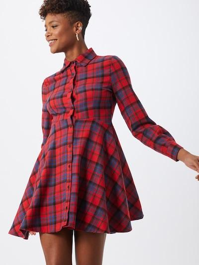Boohoo Sukienka koszulowa w kolorze czerwony / czarnym, Podgląd na modelu(-ce)