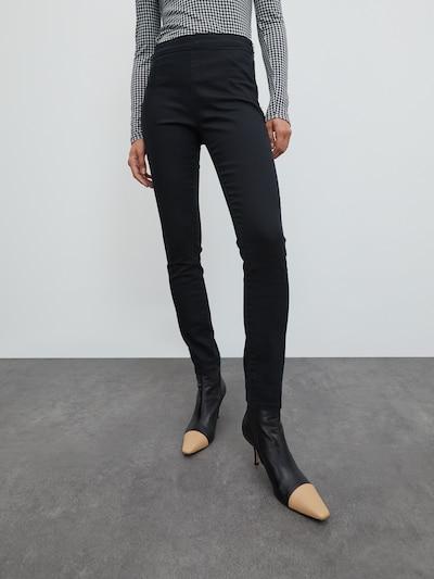 EDITED Jeggings 'Janetts' in de kleur Zwart, Modelweergave