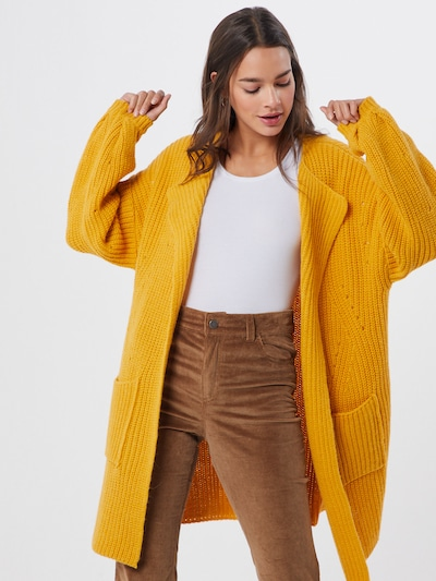 SET Strickjacke in gelb, Modelansicht
