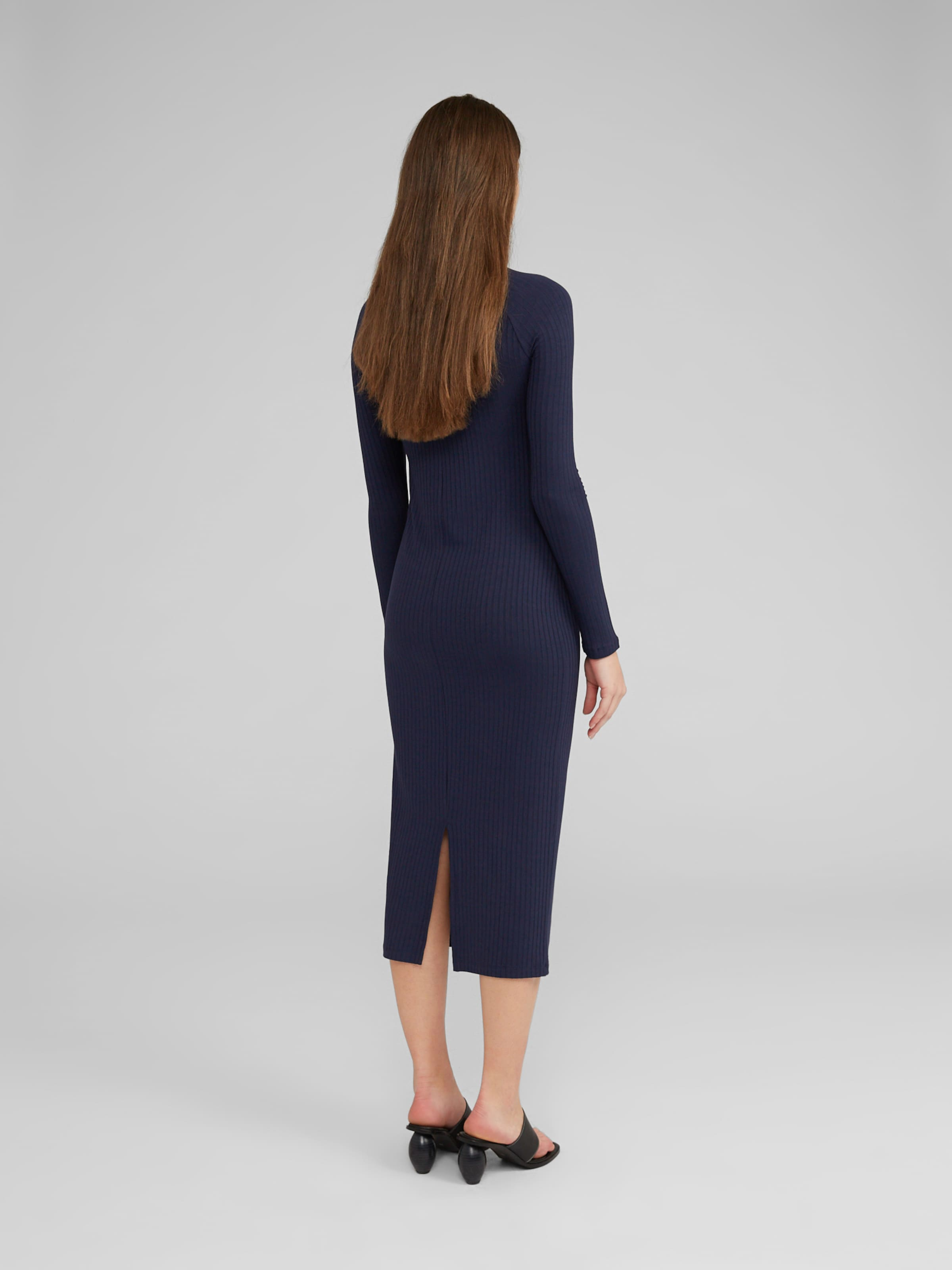 EDITED Klänning 'Elouise' i marinblå