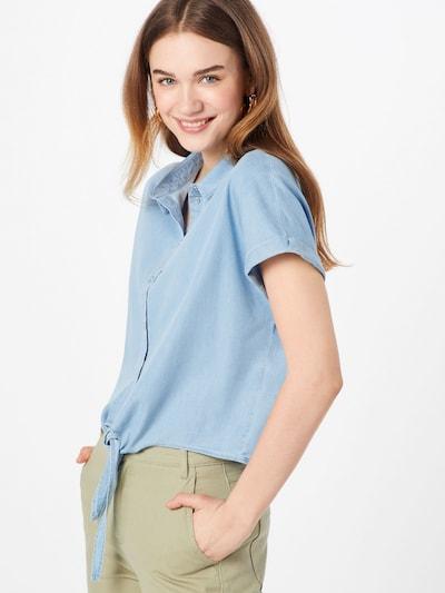 Palaidinė 'Milen' iš ONLY , spalva - šviesiai mėlyna, Modelio vaizdas