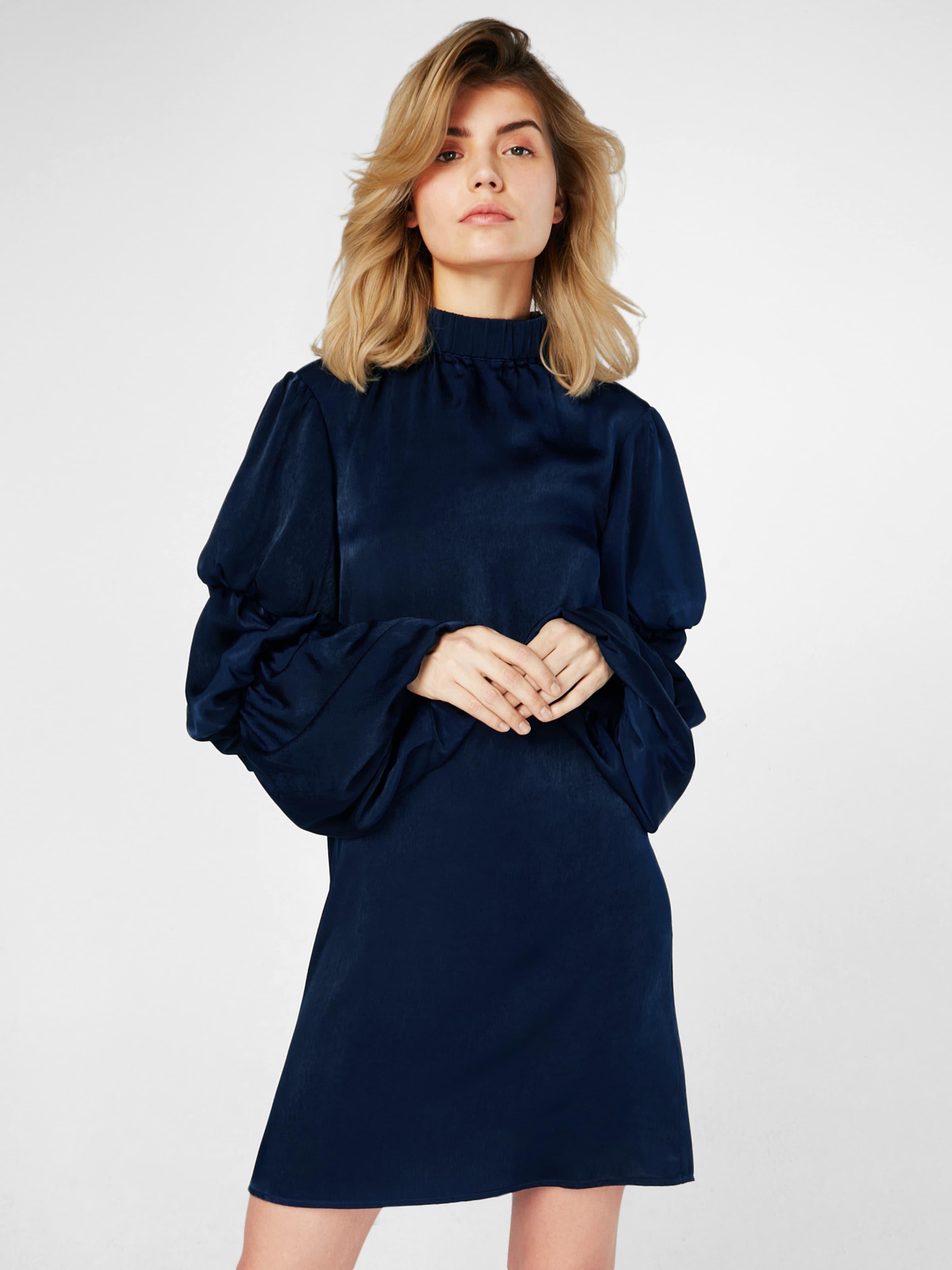 Großer Rabatt Zum Verkauf Lost Ink Abendkleid mit Auffälligen Ärmeln Offizielle Seite Günstig Online MA6an7R0