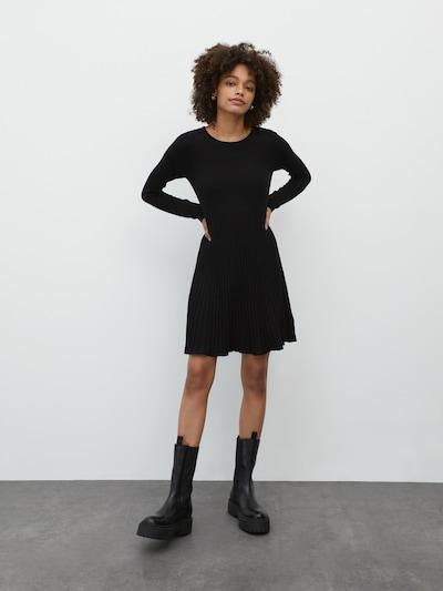 EDITED Robes en maille 'Katrin' en noir, Vue avec modèle