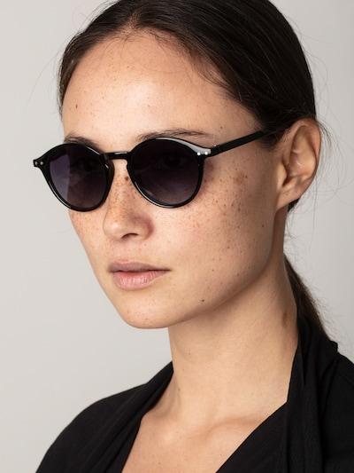 Pilgrim Sonnenbrille 'Roxanne' in schwarz: Frontalansicht