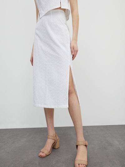 EDITED Sukňa 'Siona' - biela / šedobiela, Model/-ka