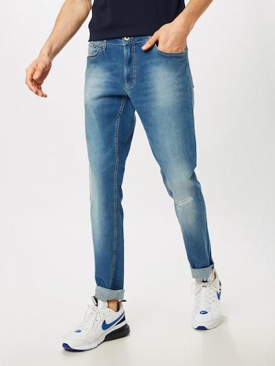 BRAX Džinsi 'Chuck' pieejami zils džinss, Modeļa skats