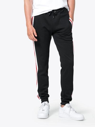 Urban Classics Jogginghose in rot / schwarz / weiß, Modelansicht