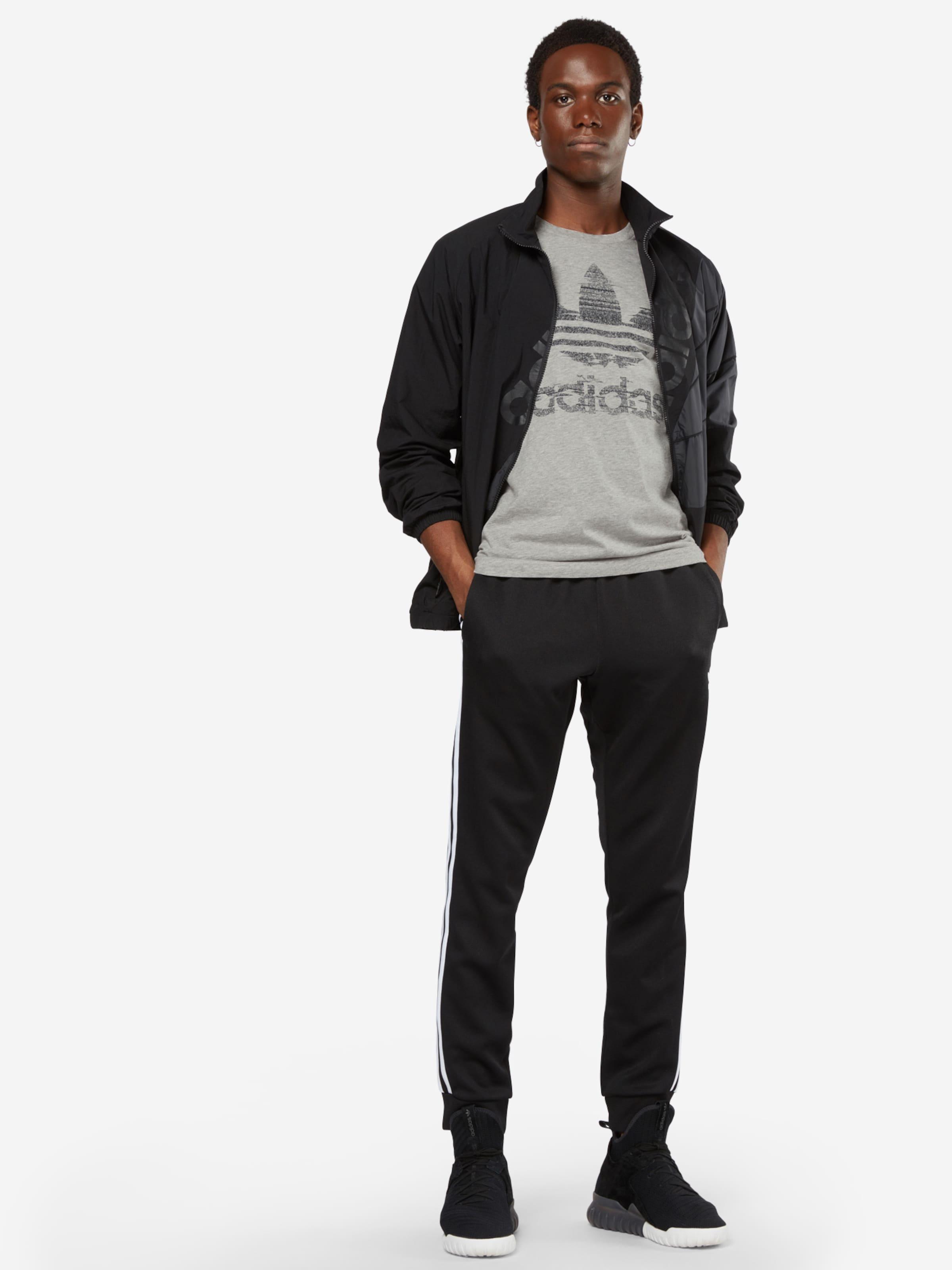 ADIDAS ORIGINALS T-Shirt 'Traction Trefoi' Verkauf Online-Shopping Neue Stile Günstig Online 8qDOGWb8H
