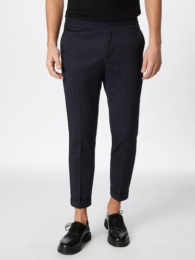 Pantaloni cu dungă 'M. Terry Gabardine' Filippa K pe bleumarin, Vizualizare model