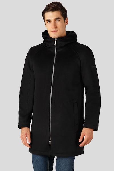 Finn Flare Tussenjas in de kleur Zwart, Modelweergave