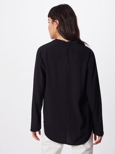 BRUUNS BAZAAR Bluzka w kolorze czarnym: Widok od tyłu