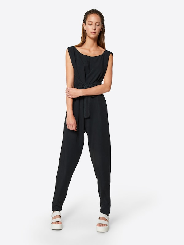 Noisy may Jumpsuit in schwarz, Modelansicht