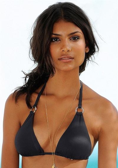LASCANA Triangel-Top in schwarz, Modelansicht