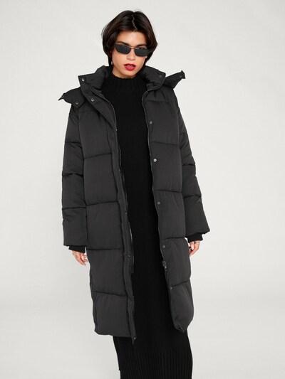 EDITED Płaszcz zimowy 'Blake' w kolorze czarnym: Widok z przodu