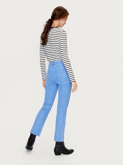 EDITED Flared Jeans 'Maja' in blue denim: Rückansicht