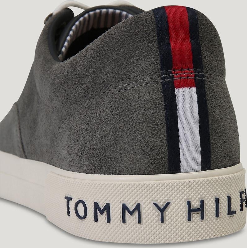 TOMMY HILFIGER HILFIGER TOMMY Sneaker 'HERITAGE' aus Veloursleder d374c9