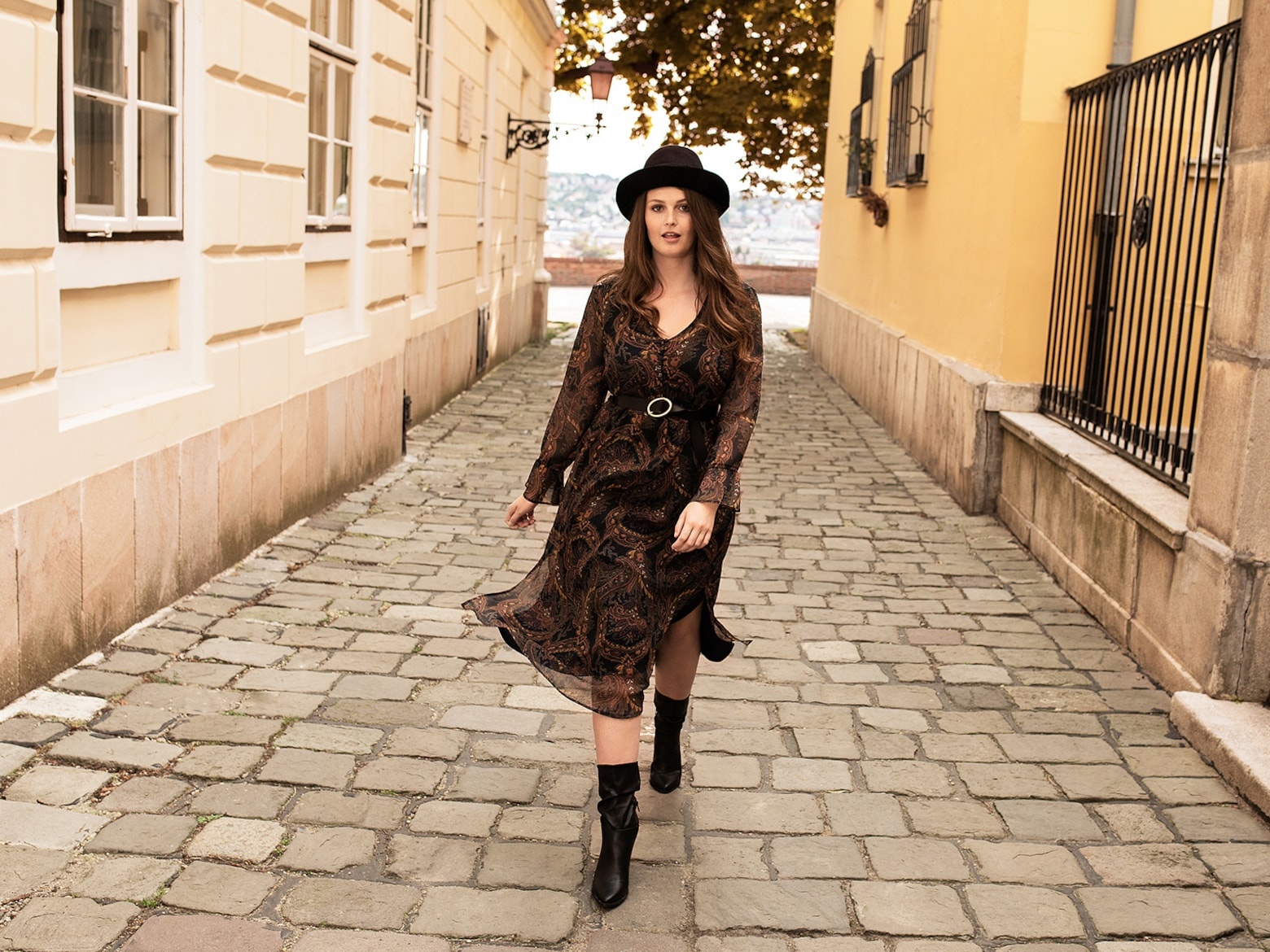 Aline - Autumn Dress Look