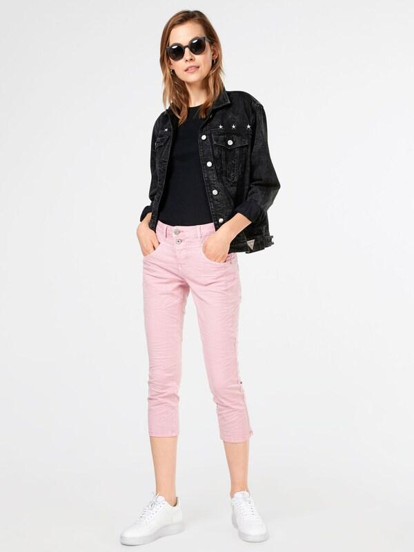 Cream 3/4 Jeans