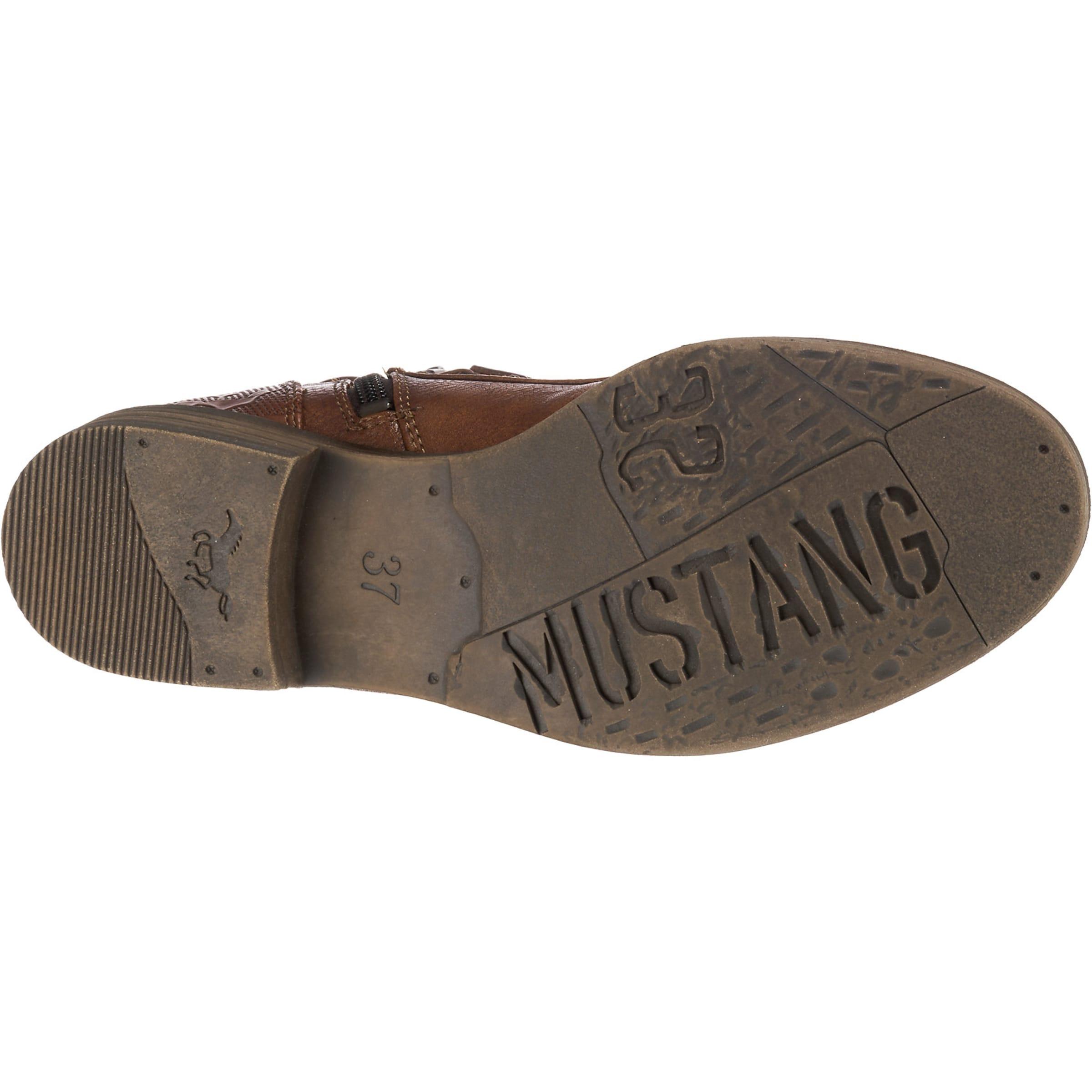 MUSTANG Stövlett med snörning i brun