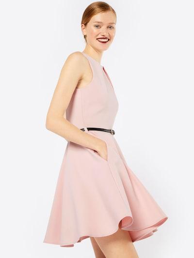 Closet London Coctailkjole i rosé, Modelvisning