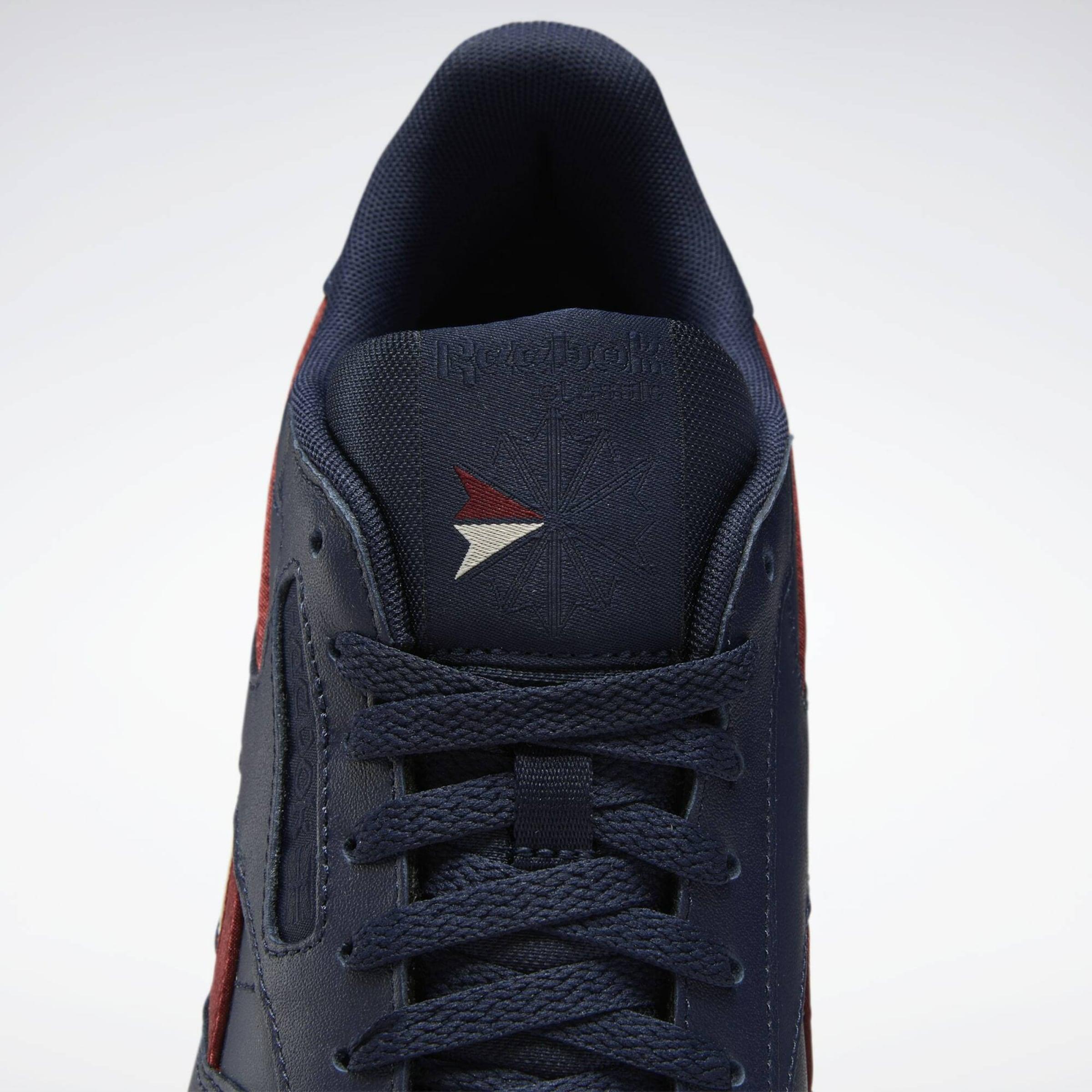 Reebok Classic Sneakers laag in Donkerblauw / Rood / Wit Leer FV6365-600